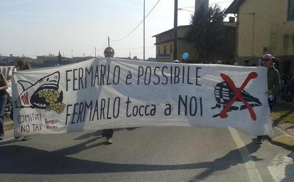 Basta cave, discariche e grandi opere inutili! In cinquemila a Berlingo per dire NO alla Discarica Macogna!