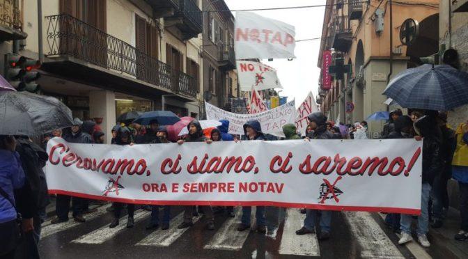 Oltre 15000 in corteo sabato in Val Susa: fermarci è impossibile!